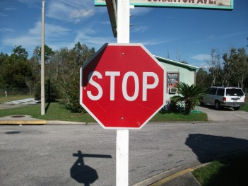 stop-sign_w725_h544